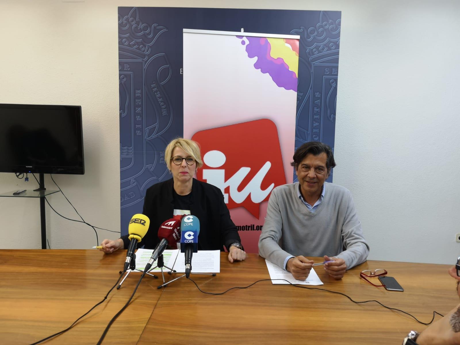Inma Omiste, candidata a la Alcaldía de Motril y Jose Llorente